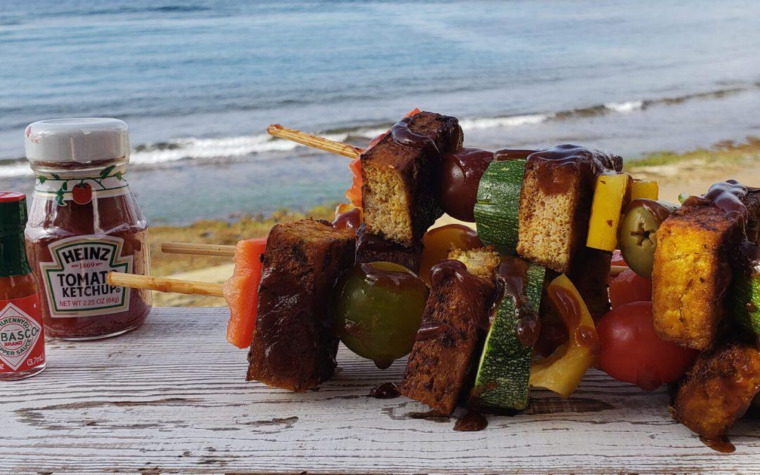 Pinchos de Tofú con Salsa Barbecue de Guayaba