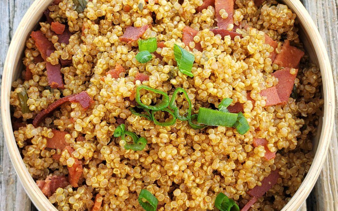 """Quinoa con """"Tocineta"""" Vegana"""